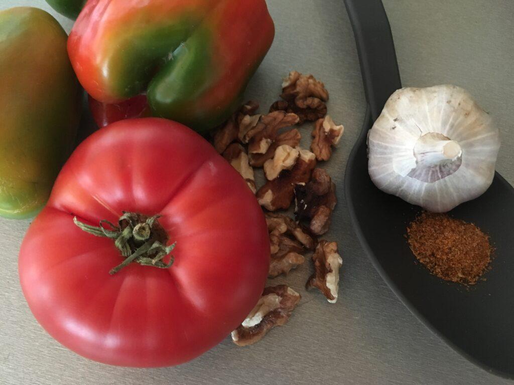 Овощной соус с грецкими орехами, острой приправой и чесноком (2)